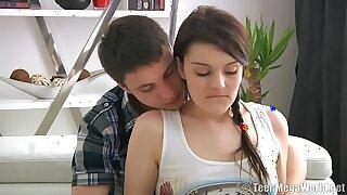 Young Chick Coitus Nimble Peel : http://www.allanalpass.com/A3C40