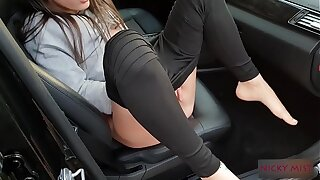 Uber driver fuck young whore near road parcking